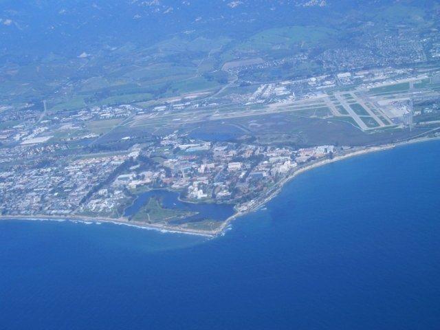 サンタバーバラ空港に着陸する直前の空の上から